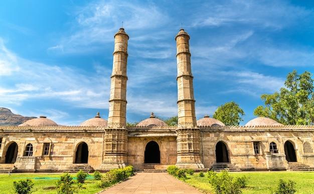 Sahar ki masjid au parc archéologique de champanerpavagadh dans le gujarat en inde