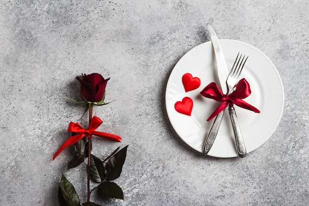 Saint valentin dîner de table romantique me marier fiançailles mariage