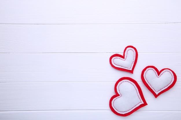 Saint valentin sur fond blanc.