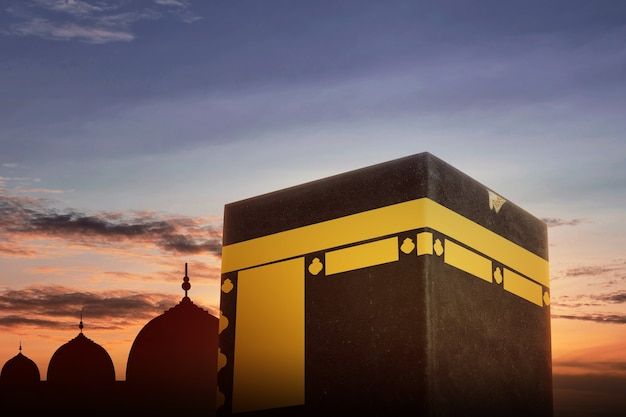 La sainte kaaba avec vue sur le ciel coucher de soleil
