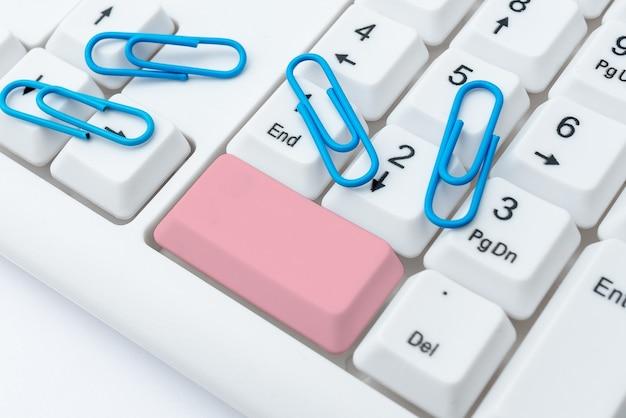 Saisie des codes du programme de pare-feu règles de dactylographie règlements livre structure de connexion internet