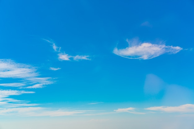 Saison météo humidité atmosphère nuageuse