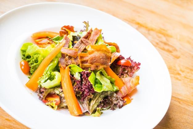 Salade de bâton de crabe