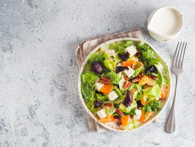 Salade de betteraves, fromage féta et orange.