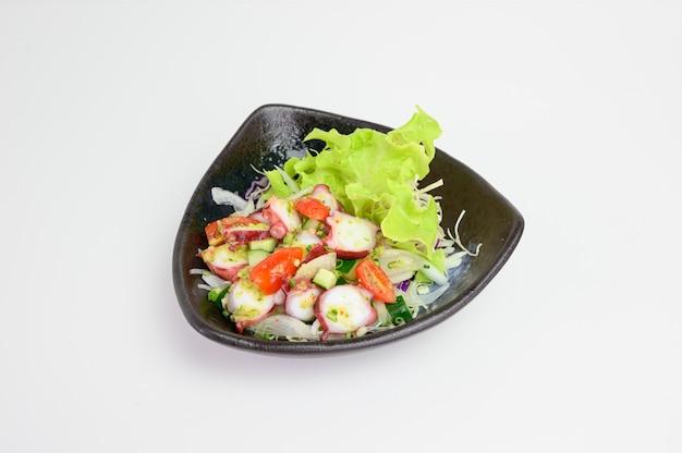Salade de calmars tako avec sauce épicée