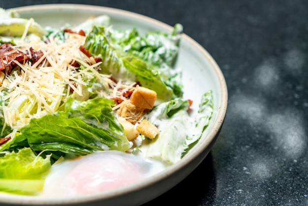 Salade césar à l'œuf