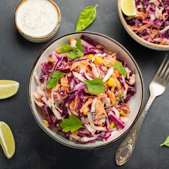 Salade de chou classique.