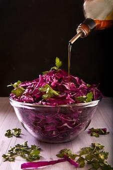Salade de chou rouge au persil et à l'huile d'olive