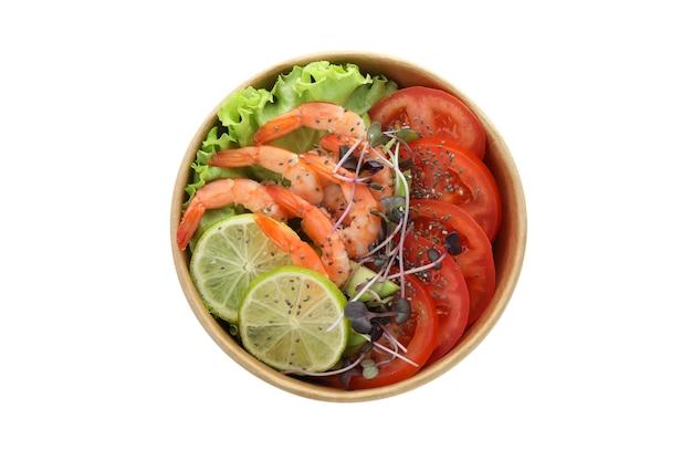 Salade de crevettes savoureuse isolé sur fond blanc