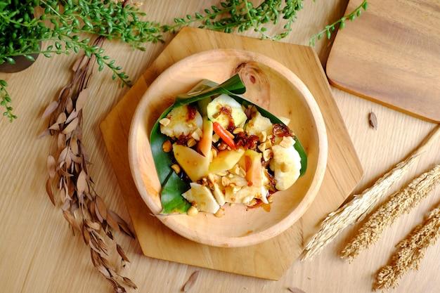 Salade épicée piment mangue