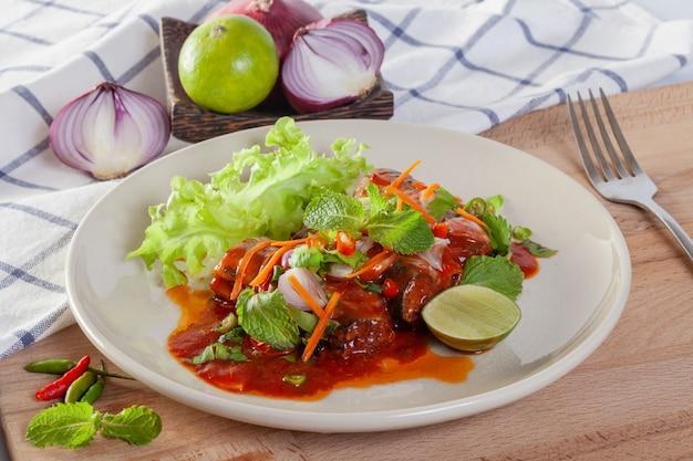 Salade épicée de sardines en conserve