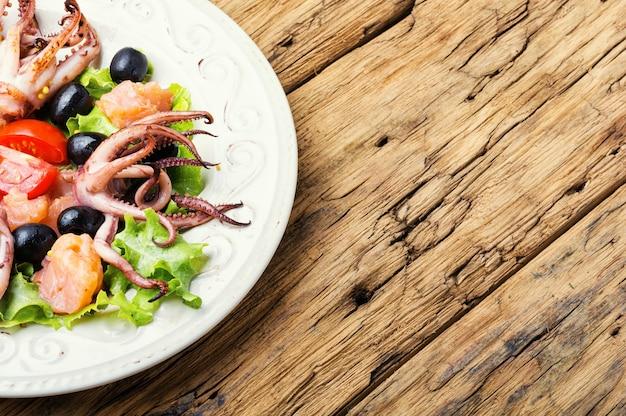 Salade fraîche aux fruits de mer