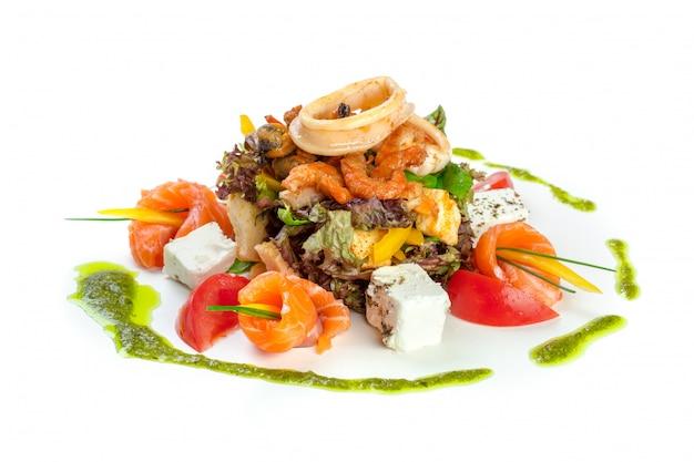 Salade fraîche isolée