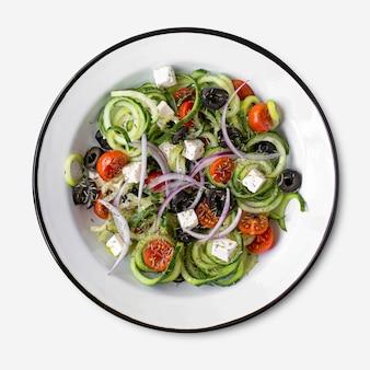 Salade grecque avec idée de recette de concombre en spirale