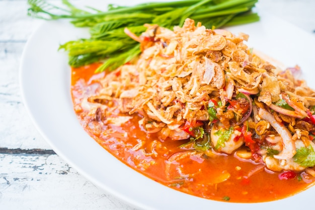 Salade d'huîtres épicée