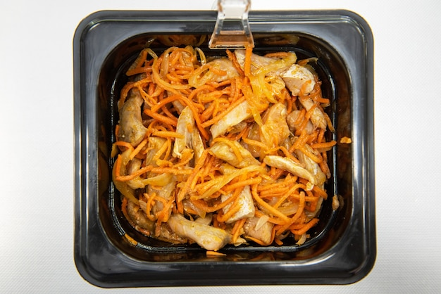 Salade de hwe coréenne marinée au poisson