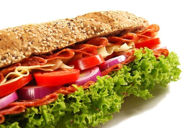 Salade de jambon au fromage baguette sandwich closeup
