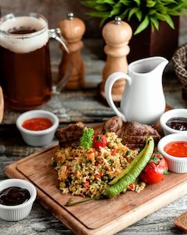 Salade mixte avec sélection de sauce