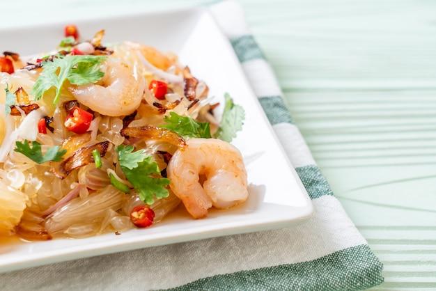 Salade pamelo épicée aux crevettes ou aux crevettes, style fusion