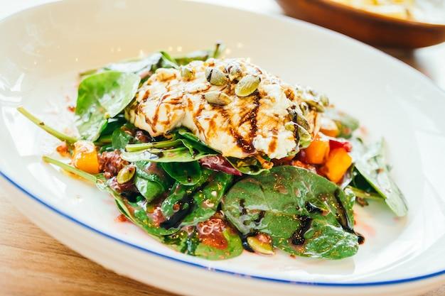 Salade de poulet grillé