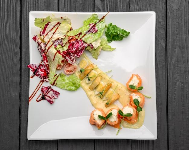 Salade de saumon au fromage à la crème