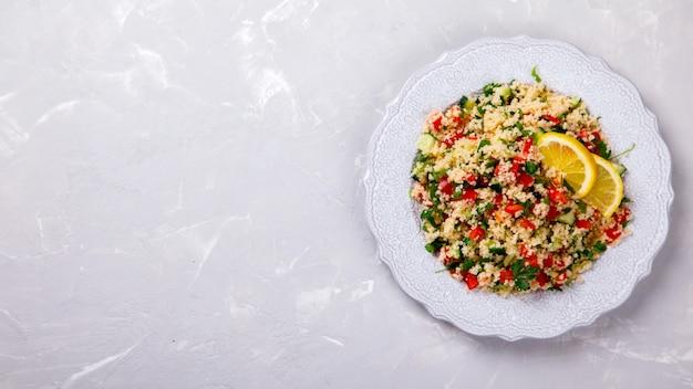 Salade de taboulé au couscous .snack en été