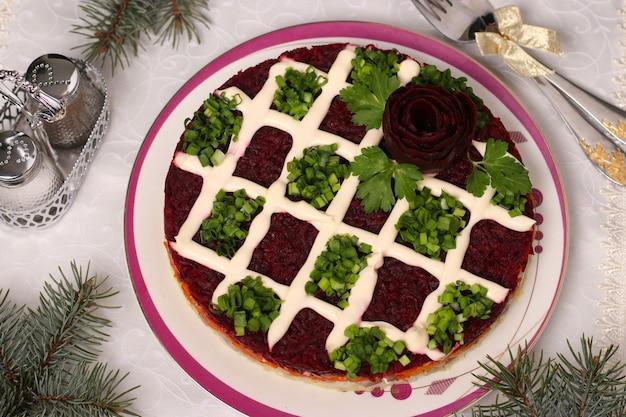 Salade de vacances traditionnelle russe hareng