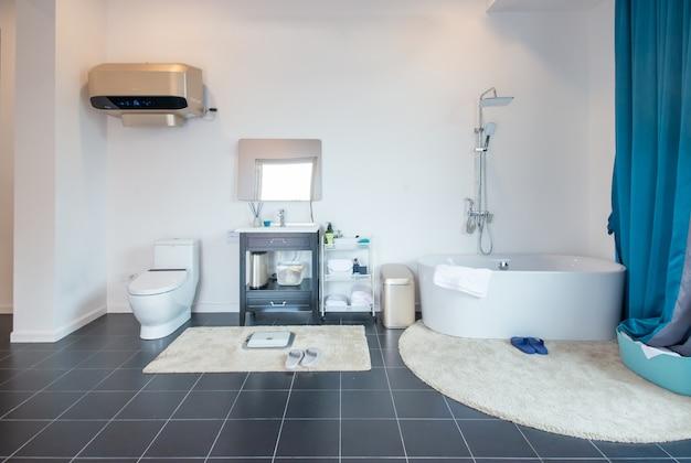Salle de bain avec style de décoration moderne