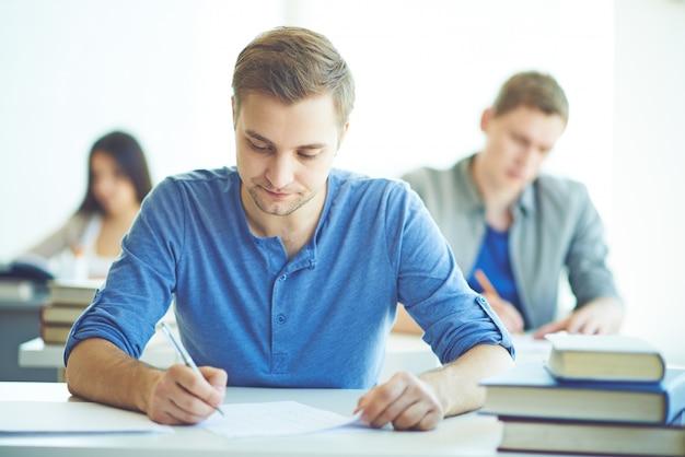 Salle de classe dans un examen