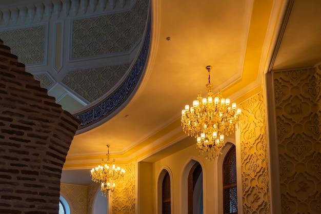 Salle intérieure du mausolée imamzade
