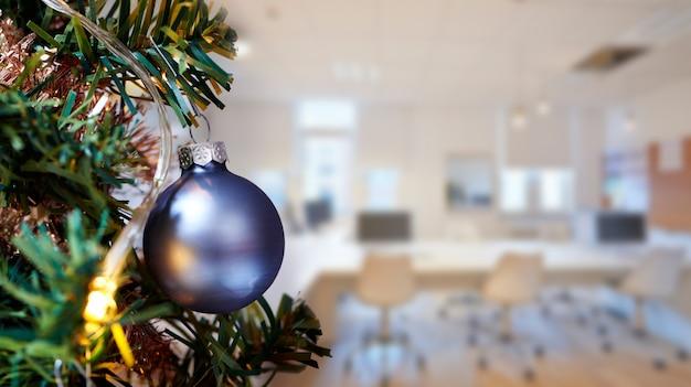 Salle de réunion au bureau et joyeux noël