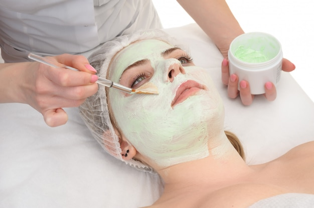 Salon de beauté, application de masque facial