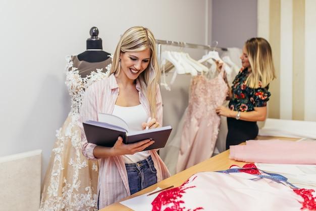 Salon de couture de robes de mariée.