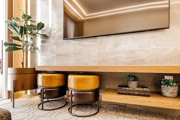Salon avec décoration moderne et belle