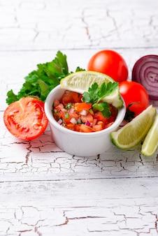 Salsa à la tomate mexicaine traditionnelle
