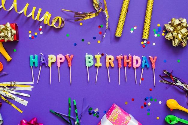 Salutation d'anniversaire et décoration de fête