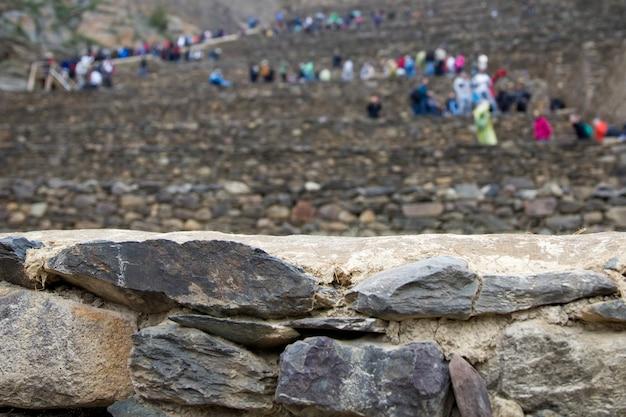 Sanctuaire colossal d'ollantaytambo au pérou