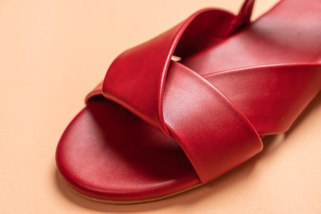 Sandale en cuir femme