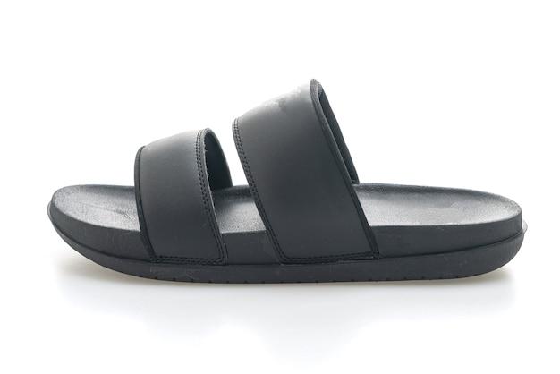 Sandales en cuir noir isolées