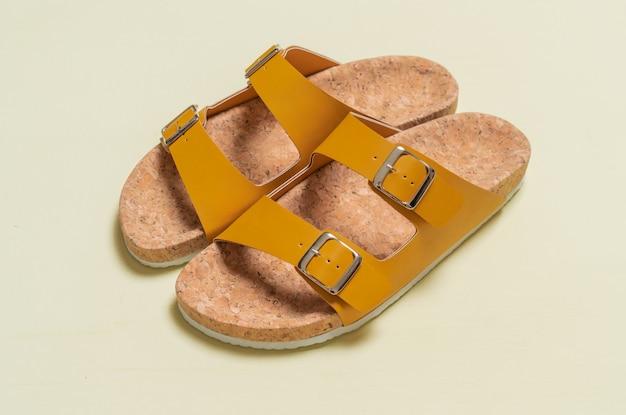 Sandales en cuir pour hommes et femmes