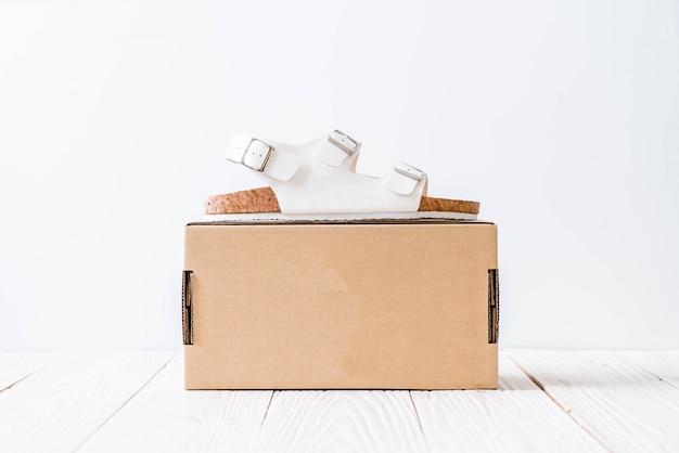 Sandales en cuir unisexe