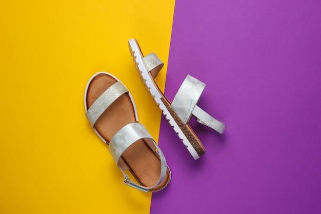 Sandales femme en cuir sur jaune violet.