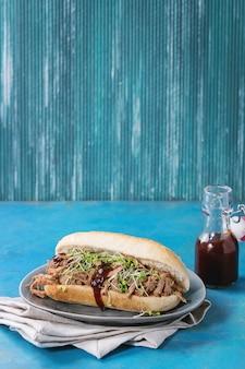 Sandwich au porc effiloché