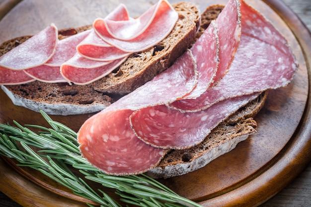 Sandwiches au salami