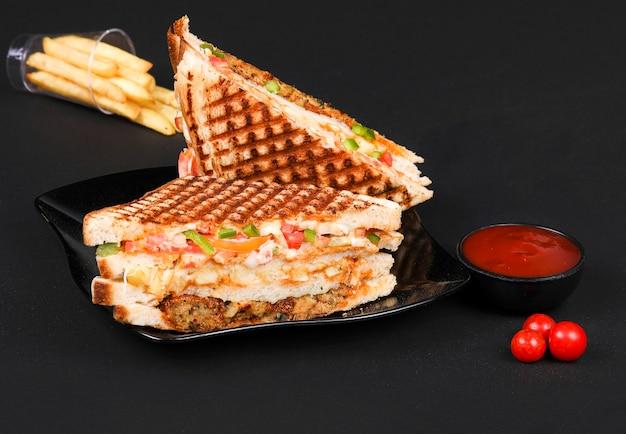 Sandwiches aux pommes de terre frites