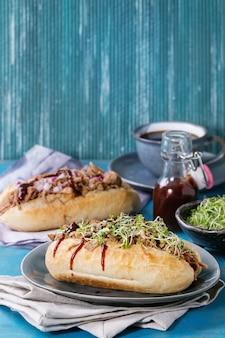 Sandwiches de porc effiloché