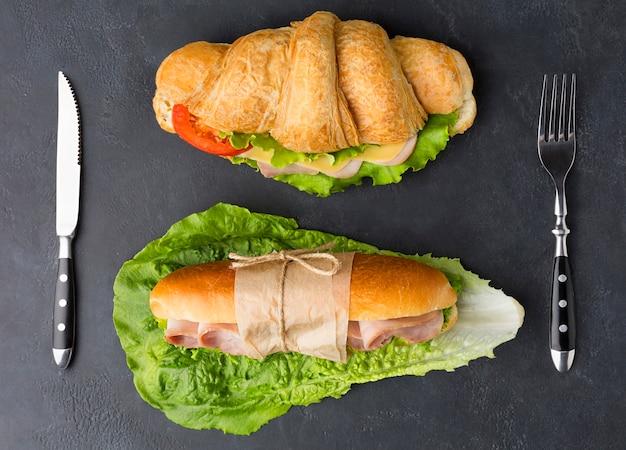Sandwichs faits maison à plat