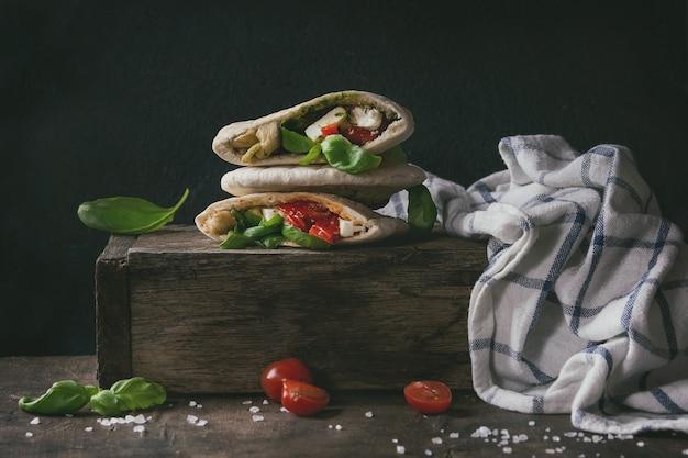 Sandwichs pita aux légumes