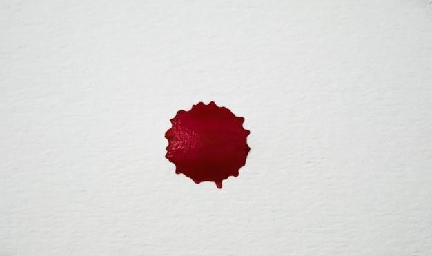 Le sang éclabousse. éclaboussures sanglantes réalistes pour le concept d'halloween