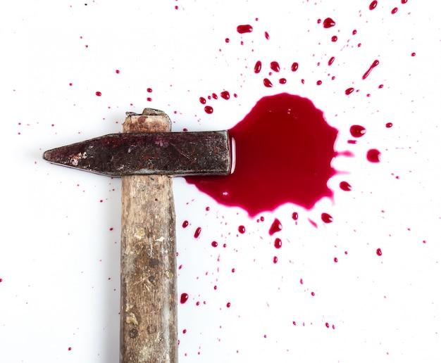 Sang et marteau